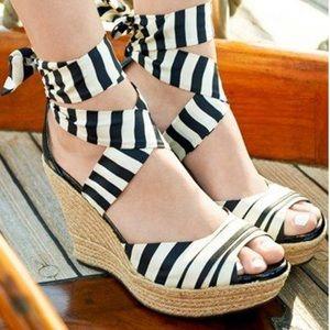 Ugg Lucianna Sandals 7.5 Nautical wedges